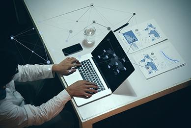 Estrategias SEO Profesional - Laptop